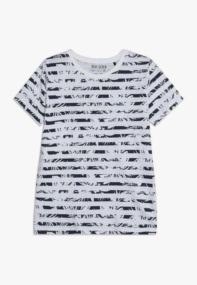 RUNDHALS - Camiseta estampada - weiß