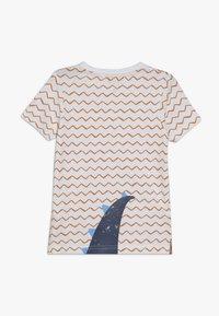 Blue Seven - T-shirt z nadrukiem - weiß - 1