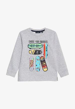 Sweater - nebel