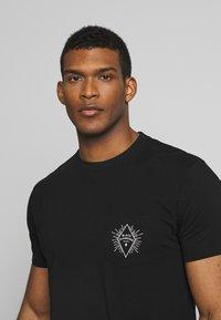 Black Diamond - RAYS POCKET TEE - T-shirts print - black - 3