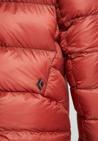 Black Diamond - VISION DOWN - Down jacket - red rock - 5