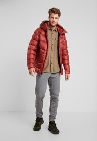 Black Diamond - VISION DOWN - Down jacket - red rock - 1