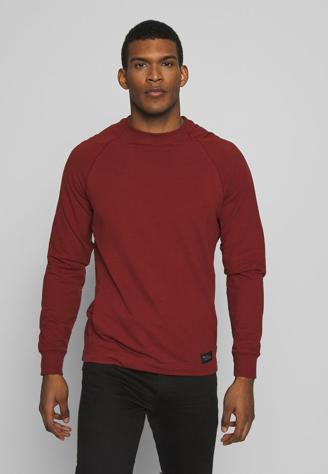 BASIS CREW - Sweatshirt - red oxide