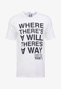 Neil Barrett BLACKBARRETT - SLOGAN WITH TAPE - Camiseta estampada - white - 3