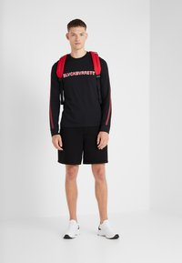 Neil Barrett BLACKBARRETT - STRIPE LOGO LONG SLEEVE  - T-shirt à manches longues - black/white - 1