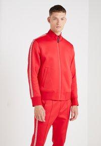 Neil Barrett BLACKBARRETT - LOGO TAPE MOCK NECK TRACK - Giacca sportiva - red/white - 0