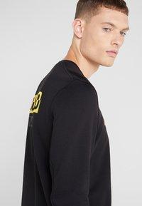 Neil Barrett BLACKBARRETT - ADDICTED TO SPORT - Sweatshirt - black/yellow - 3