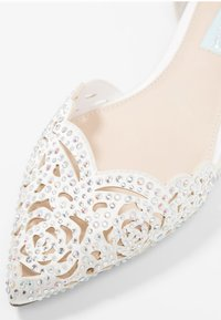 Blue by Betsey Johnson - LUCY - Bailarinas - ivory - 2