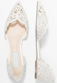 Blue by Betsey Johnson - LUCY - Bailarinas - ivory - 3