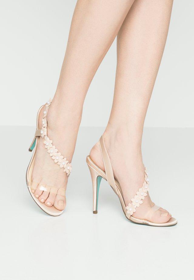 BAHA - Korolliset sandaalit - nude