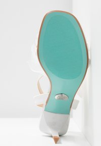 Blue by Betsey Johnson - YASMI - High Heel Sandalette - ivory - 6