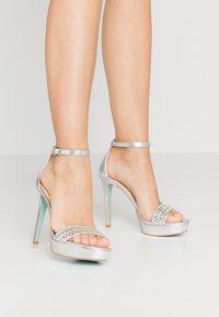 Blue by Betsey Johnson - ALMA - Sandaler med høye hæler - silver - 0