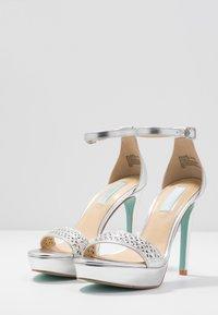 Blue by Betsey Johnson - ALMA - Sandaler med høye hæler - silver - 4