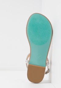 Blue by Betsey Johnson - Zehentrenner - silver - 6