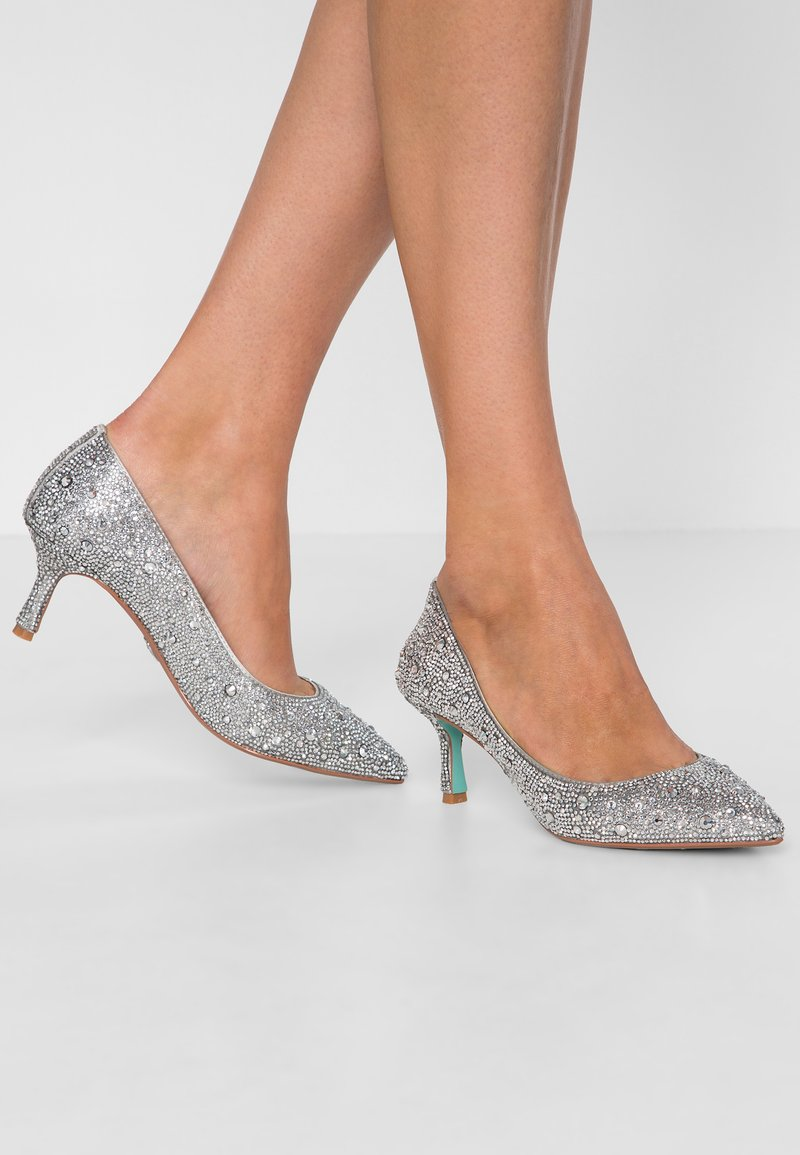 Blue by Betsey Johnson - JORA - Avokkaat - silver