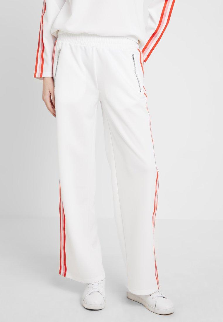 Blendshe - BSRAVIT  - Teplákové kalhoty - bright white