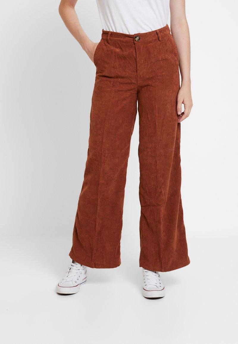 Blendshe - MOM PALLAZZO - Trousers - monks robe