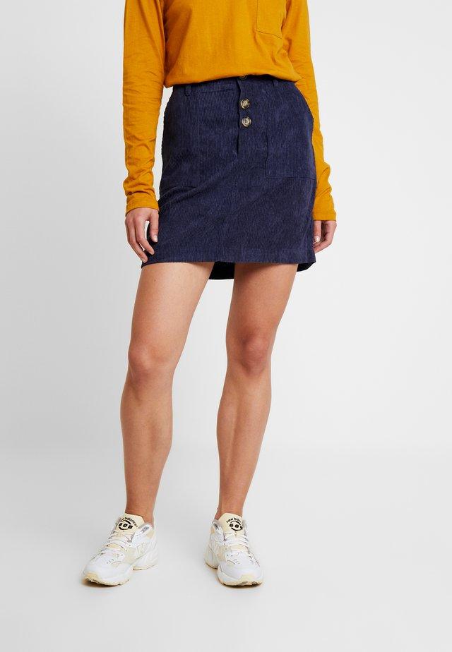 Áčková sukně - peacoat