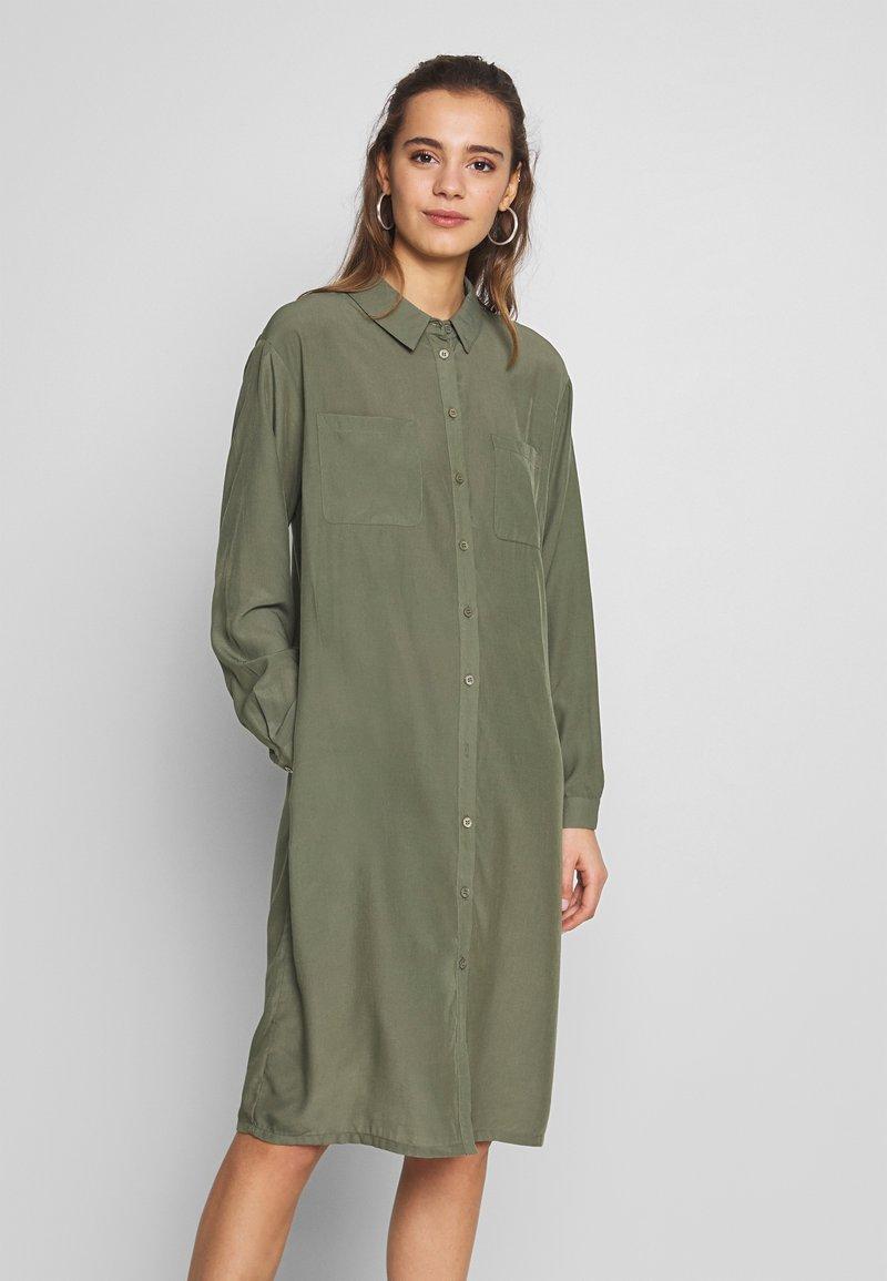 Blendshe - BSMORELLY - Skjortekjole - ivy green