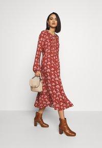 Blendshe - LISSY  - Day dress - chutney - 1