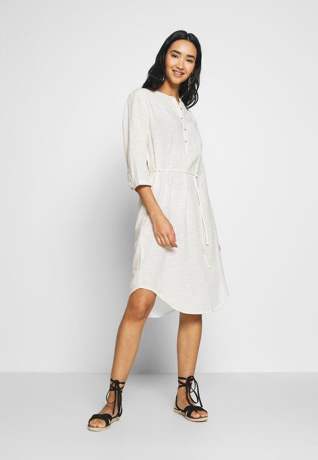 Freizeitkleid - white