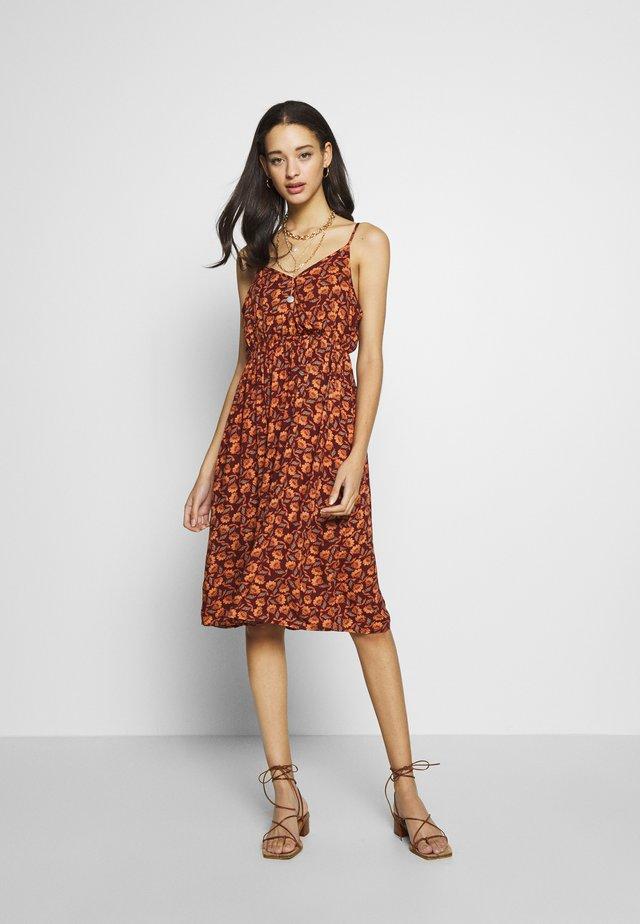 BSPRIA DRESS - Korte jurk - bordeaux