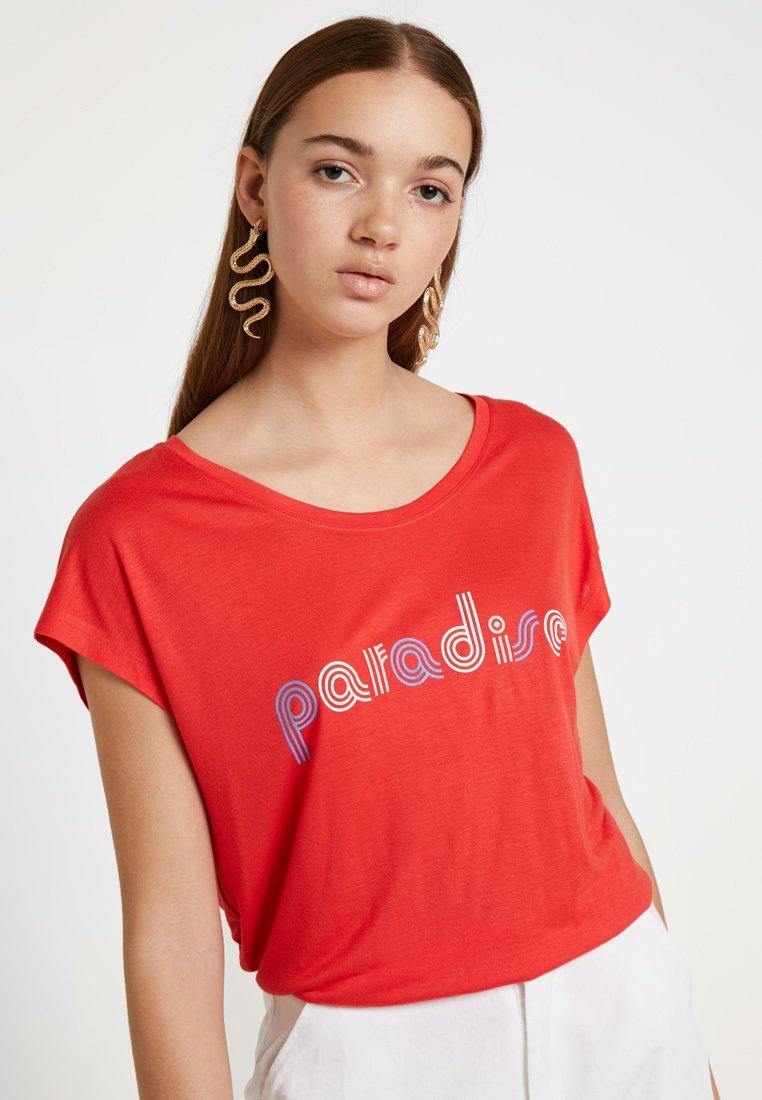 Blendshe - BELLE CAP - Print T-shirt - red