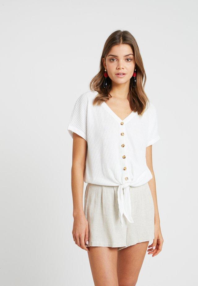BSPETRINE - T-shirt print - snow white