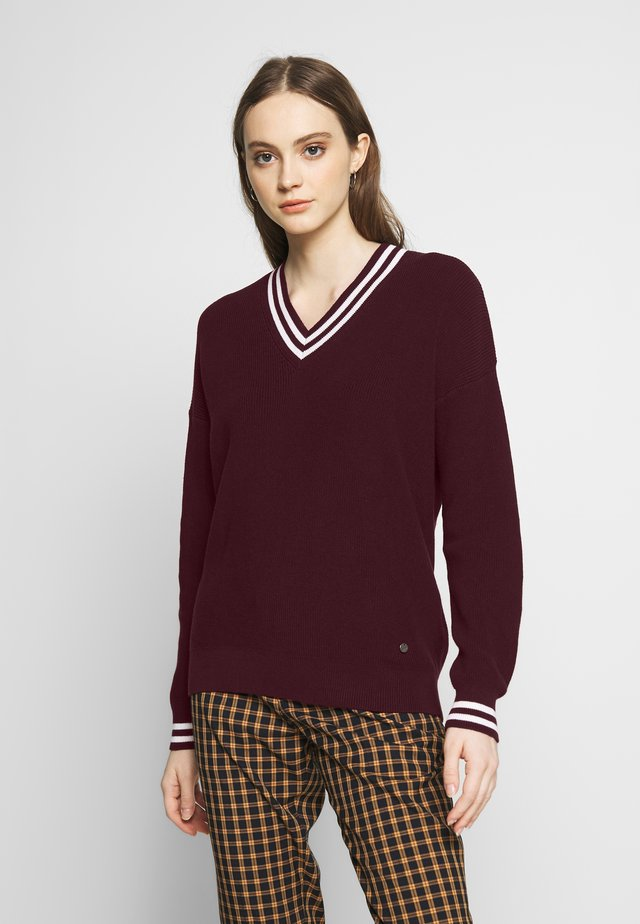 Sweter - bordeaux/white