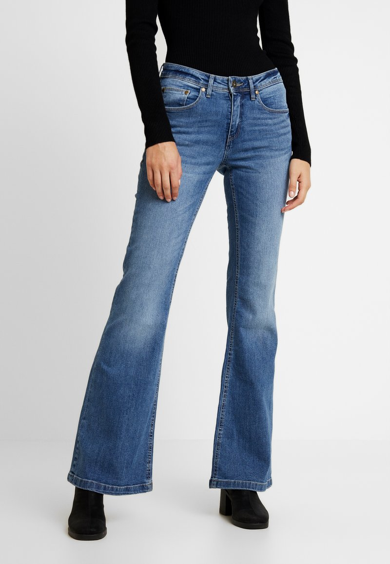 Blendshe - BSELVA BRIGHT FLARED - Jeans Relaxed Fit - dark blue