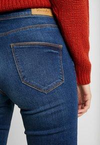Blendshe - BRIGHT FLARED - Jeans a zampa - indigo blue - 3