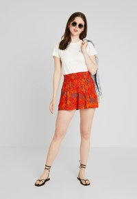 Blendshe - Shorts - orange - 1
