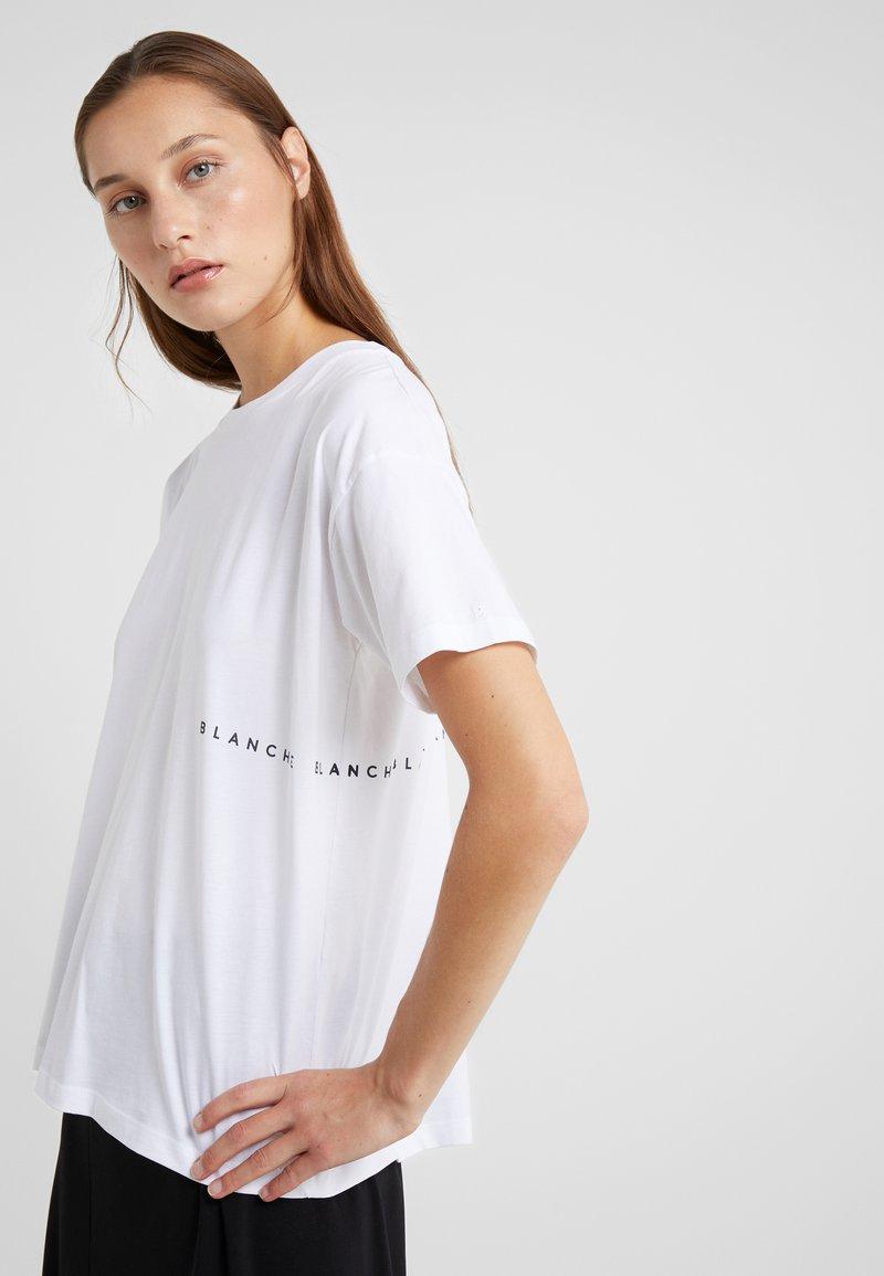 BLANCHE - MAIN LIGHT - T-Shirt basic - white/blue