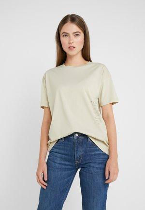 MAIN CARE - T-Shirt print - marzipan