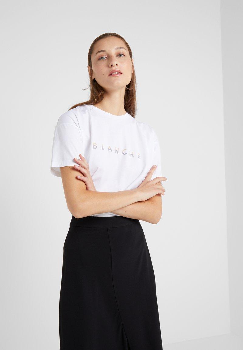 BLANCHE - MAIN TONE - T-Shirt print - steel