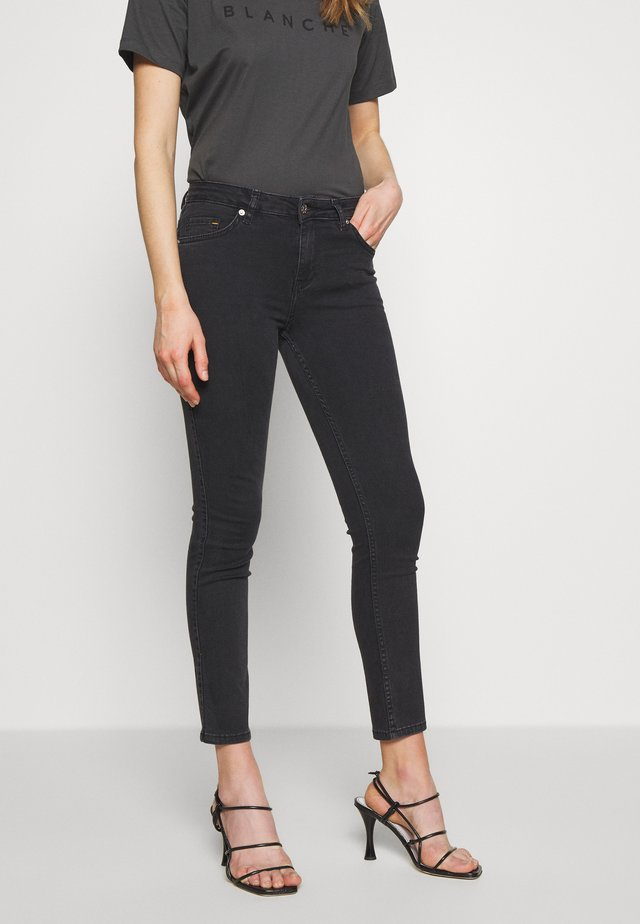 JADE CROPPED - Jeans slim fit - grey stone wash