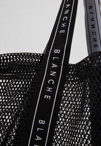 BLANCHE - TOTE LOGO - Tote bag - black - 3