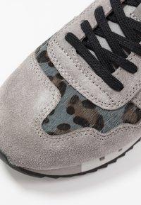 Blauer - Sneakers laag - grey - 2