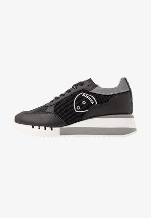 CHARLOTTE - Sneakersy niskie - black