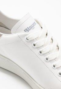 Blauer - KENDALL - Matalavartiset tennarit - white - 2