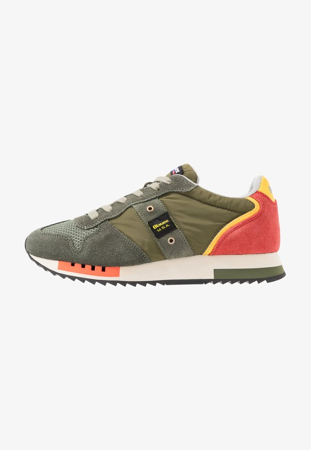QUEENS - Sneakers laag - khaki