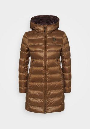 IMPERMEABILE LUNGHI IMBOTTITO - Kabát zprachového peří - dark beige