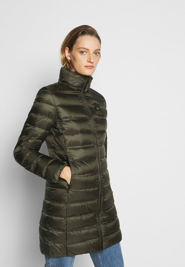 IMPERMEABILE TRENCH LUNGHI IMBOTTITO - Down coat - olive