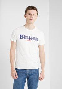 Blauer - T-shirts med print - off-white - 0