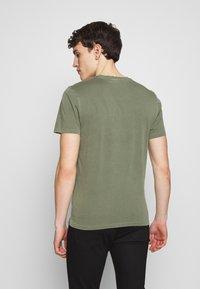 Blauer - MANICA CORTA - T-shirts print - verde olivastro - 2