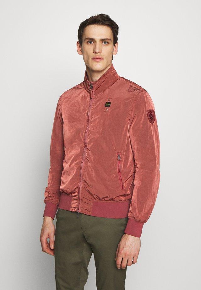 GIUBBINI CORTI SFODERATO - Summer jacket - rosso mirto