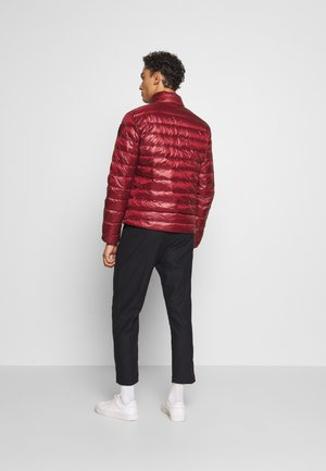 GIUBBINI CORTI IMBOTTITO - Gewatteerde jas - rosso mirto