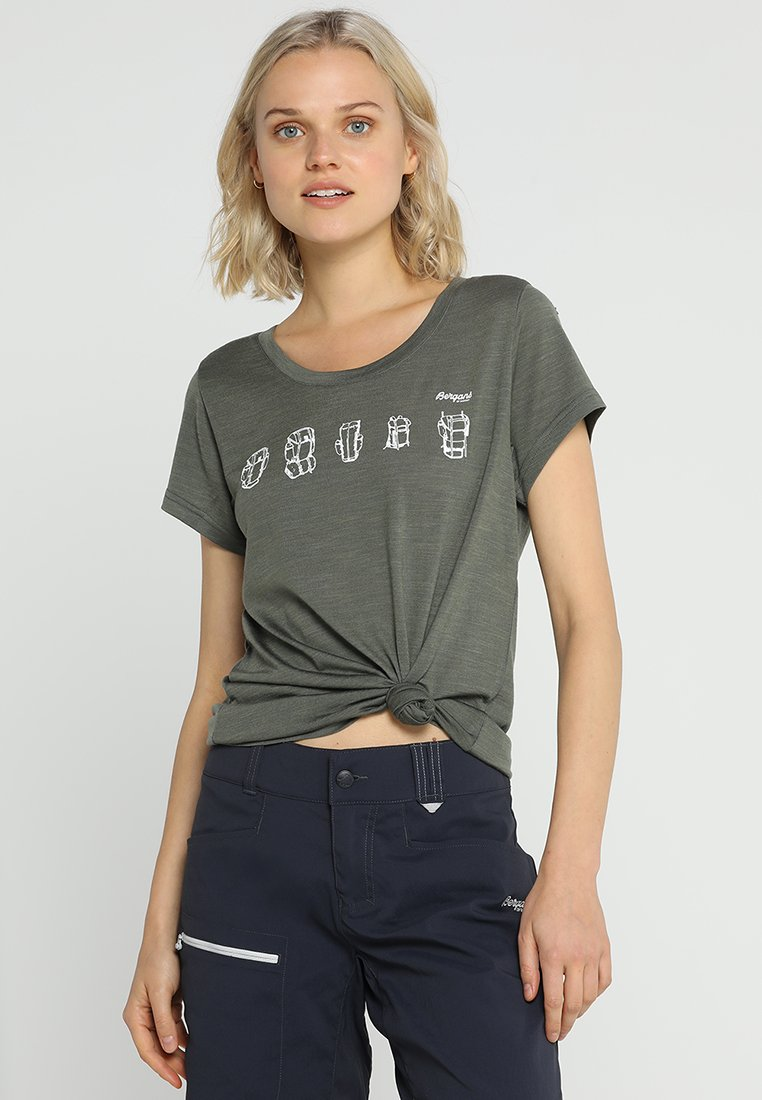 Bergans - BACKPACK TEE - T-Shirt print - greenmud/white