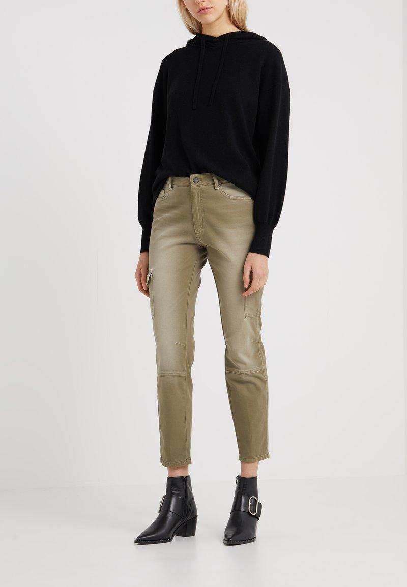 BOSS - SICARGY - Jeans Slim Fit - bright green