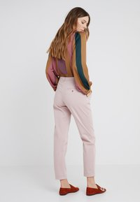 BOSS - SACHINI - Chinos - pastel red - 2